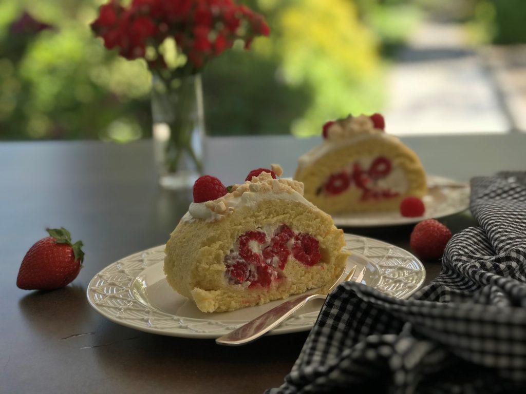 Chef's Handyman, sweet strawberry raspberry roulade
