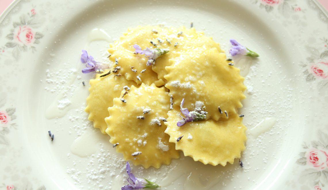 Ravioli mit Lavendel
