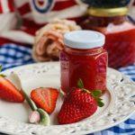 Erdbeermarmelade mit Vanille und Rosenwasser